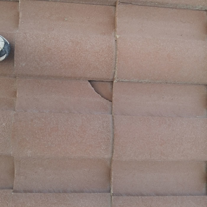 Tile Roof Problem - Cracked Or Broken Roof Tiles